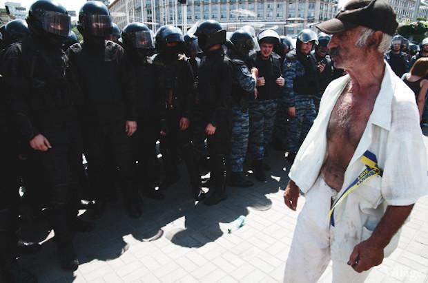 Copwatch: Действия милиции возле «Украинского дома». Зображення № 25.