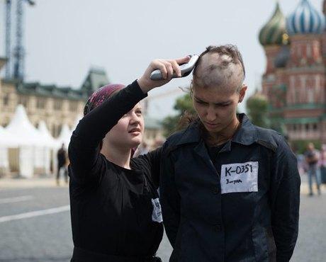 Лобзай мусора: Хроника акционизма вМоскве. Изображение № 10.
