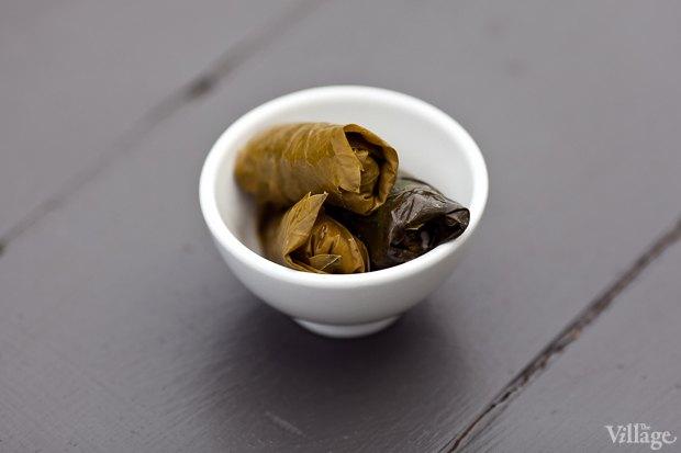 Рецепты шефов: Красный хумус, бабагануш, долма ипшеничные лепешки. Изображение № 9.