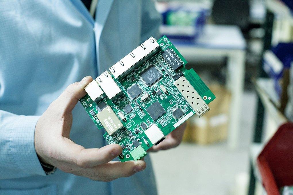 Производственный процесс: Как делают платы для электроники. Изображение № 23.