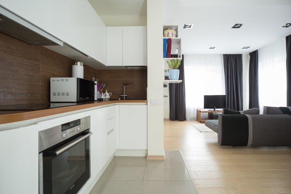 Квартира для большой семьи сминималистским интерьером. Изображение № 13.