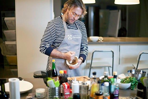 Шеф дома: Том ям и сашими из тунца Геннадия Иозефавичуса. Изображение № 80.