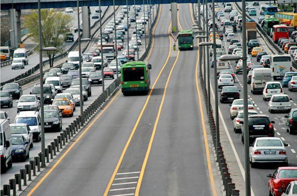 Выделенная полоса для автобусов в Боготе.. Изображение №51.