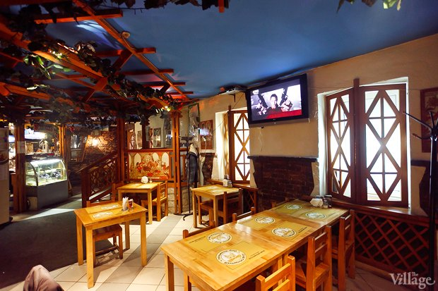Все свои: Пельмени-бар наКронверкском проспекте. Изображение № 2.
