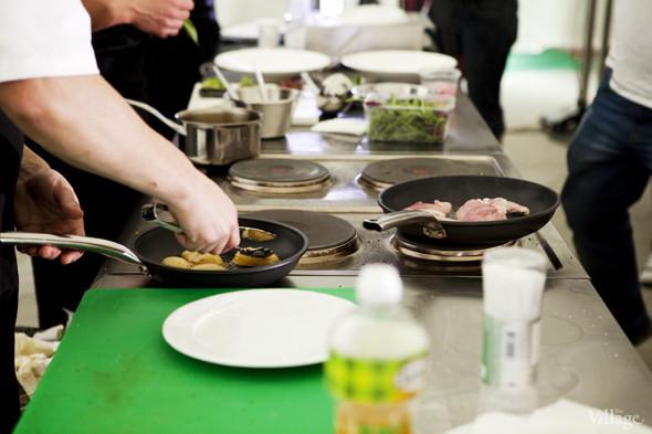 Omnivore Food Festival: Андрей Рывкин готовит карри из петуха на монастырском квасе. Изображение № 23.
