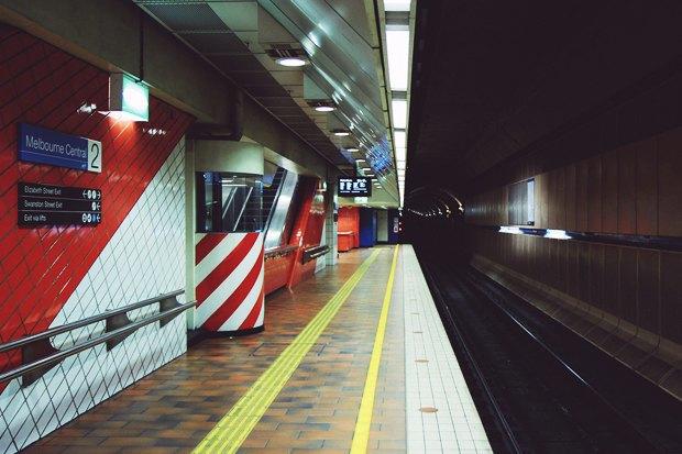 скачать игру как метро