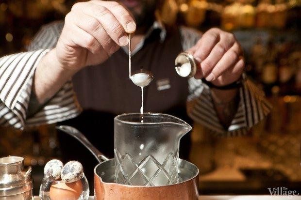 Налить в смесительный стакан сливки. Изображение № 27.