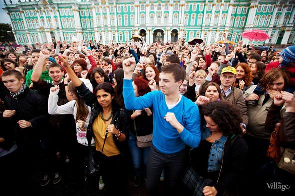 В Петербурге на Дворцовой площади танцевал Мэтт Хардинг. Изображение № 5.