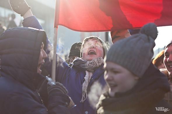 Фоторепортаж: Митинг в поддержку Путина в Петербурге. Изображение № 43.