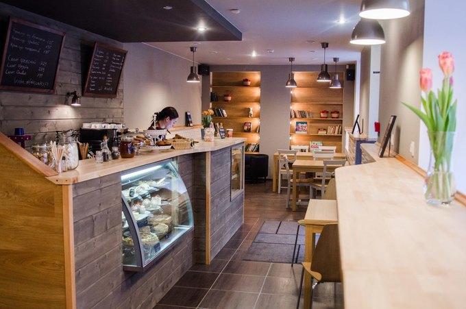 НаПетроградской открылась кафе-кондитерская Folks Cafe . Изображение № 1.