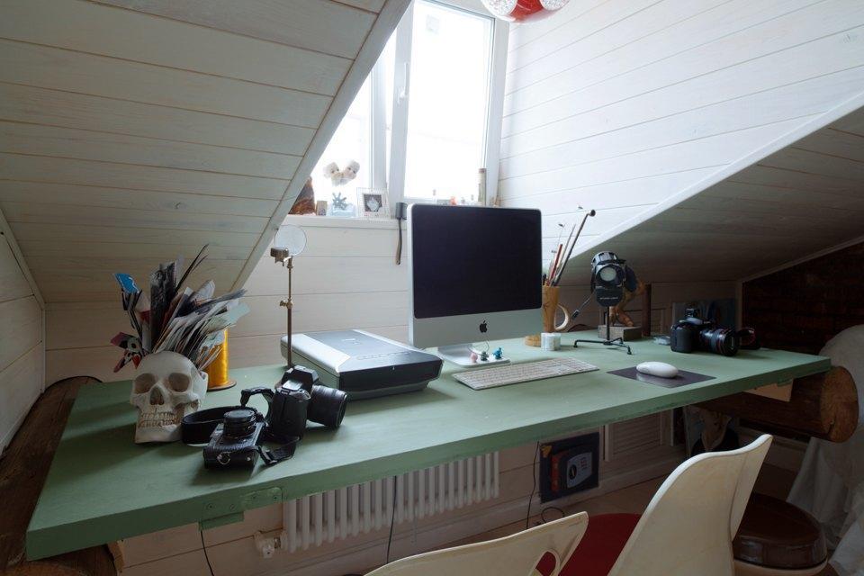 Жилая мастерская фотографа на чердаке старого дома. Изображение № 10.