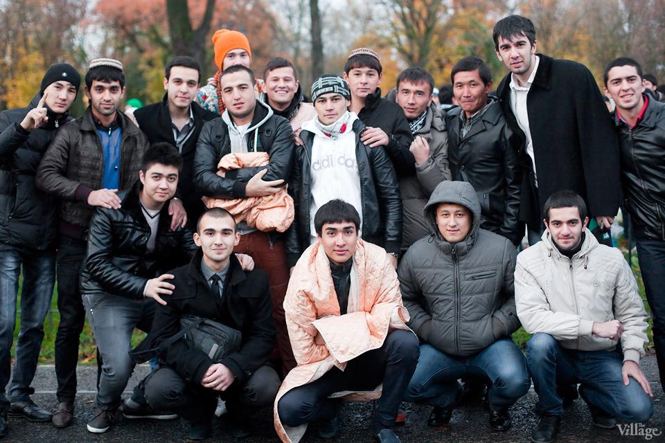Люди в городе: Как отмечали Курбан-байрам в Москве и Петербурге. Изображение №24.