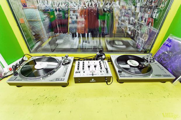 На полках: Магазин виниловых пластинок Diskultura. Зображення № 5.
