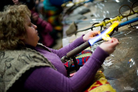 Сплошное надувательство: Фабрика елочных игрушек изнутри. Изображение № 8.