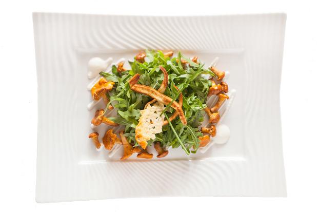 Сезонное меню: Блюда с лисичками в ресторанах Петербурга. Изображение №22.