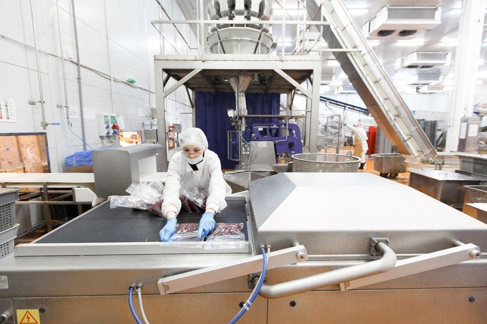 Производственный процесс: Как делают салаты для McDonald's. Изображение № 31.