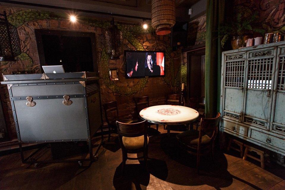 Главный редактор Harper's Bazaar Дарья Веледеева о кафе Bruce Lee . Изображение № 6.