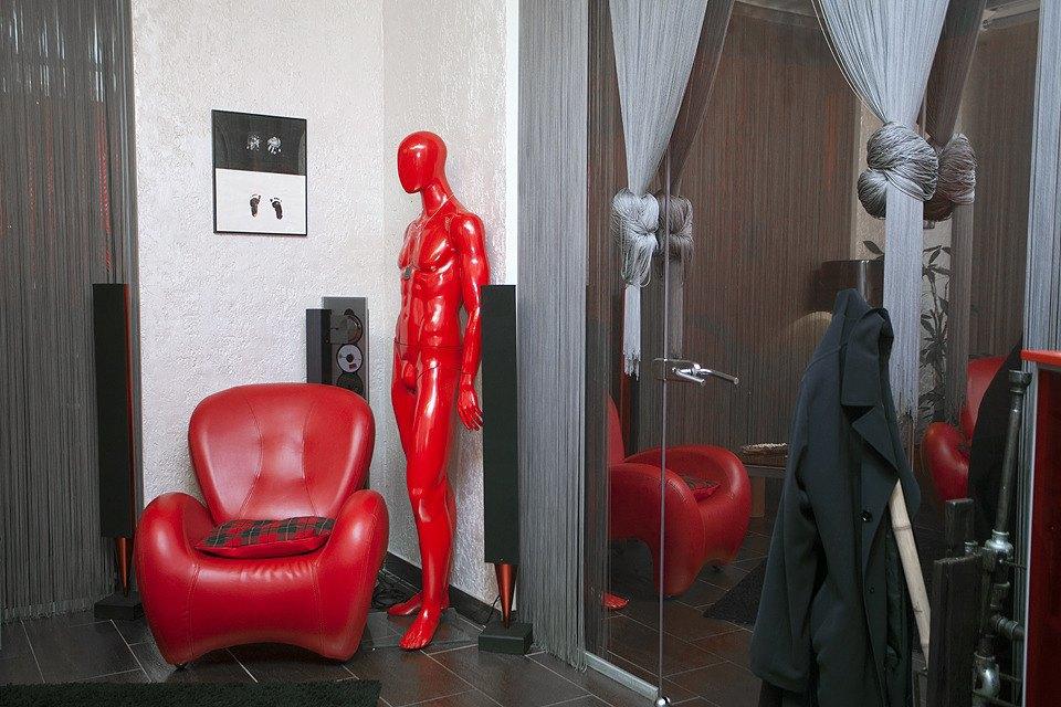 И в кабинете гендиректора не без манекена.. Изображение № 41.