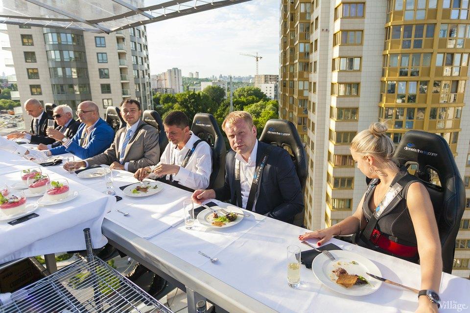 Фоторепортаж: Dinner in the Sky в Киеве. Зображення № 14.
