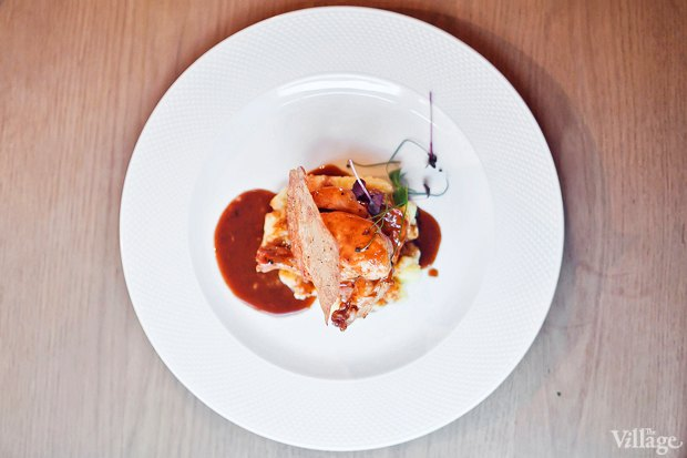 Цыпленок в трюфельном соусе с картофелем краш — 390 рублей. Изображение № 23.