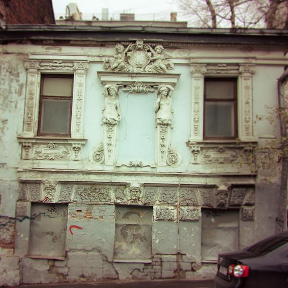 В зоне риска: Дом с кариатидами в Печатниковом переулке. Изображение № 5.
