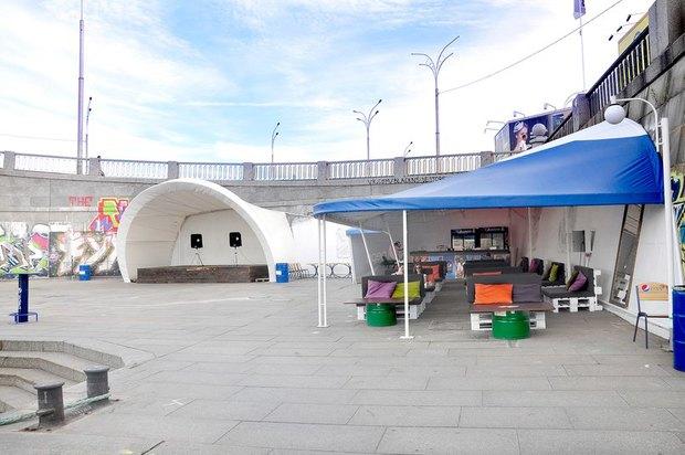 Под Гаванским мостом открыли кафе Playground. Изображение № 1.