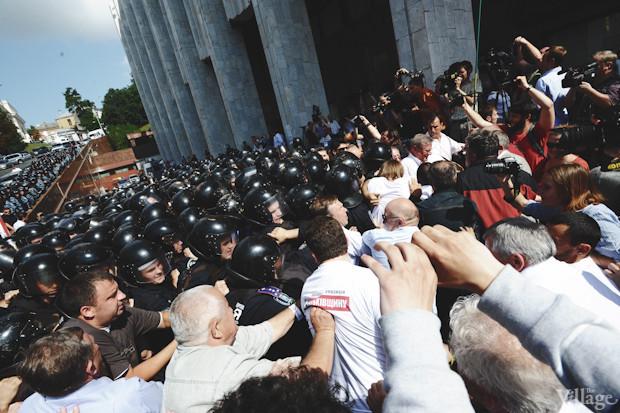 В свою очередь митигующие начинают движение в направлении «Беркута». Изображение № 28.