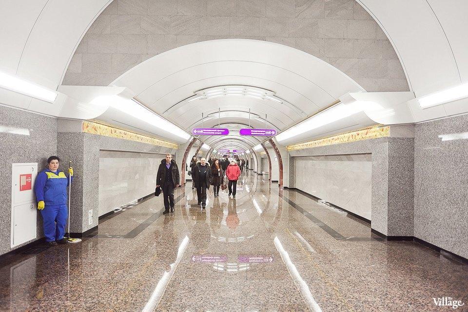 Фоторепортаж: Станции метро «Международная» и«Бухарестская» изнутри. Изображение № 6.