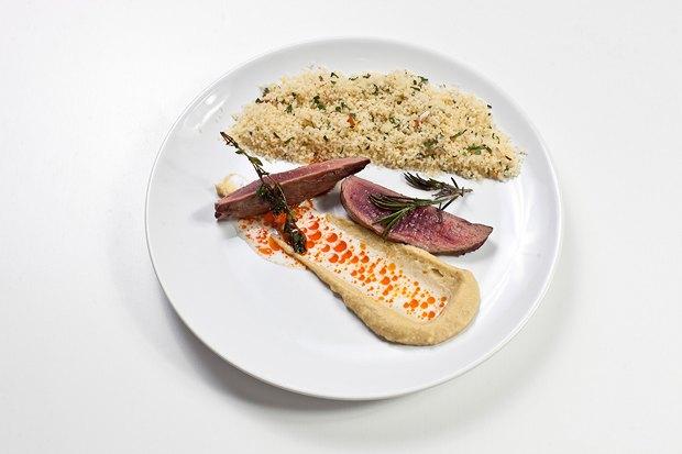 Шеф дома: Ягненок, хумус иоблепиховый десерт шефа «Стрелки». Изображение № 71.