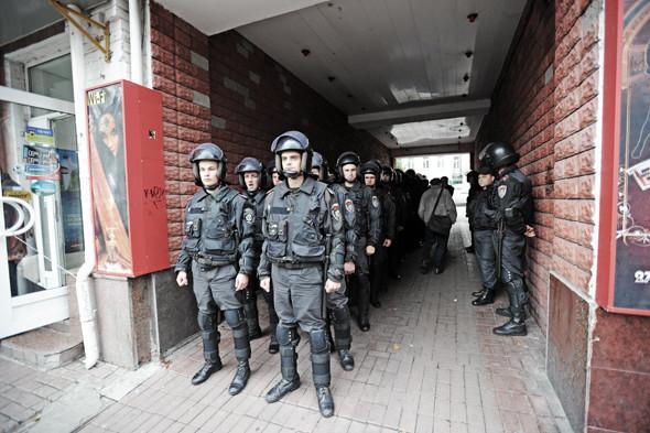 Copwatch: Действия милиции на Крещатике в день оглашения приговора Юлии Тимошенко. Зображення № 15.