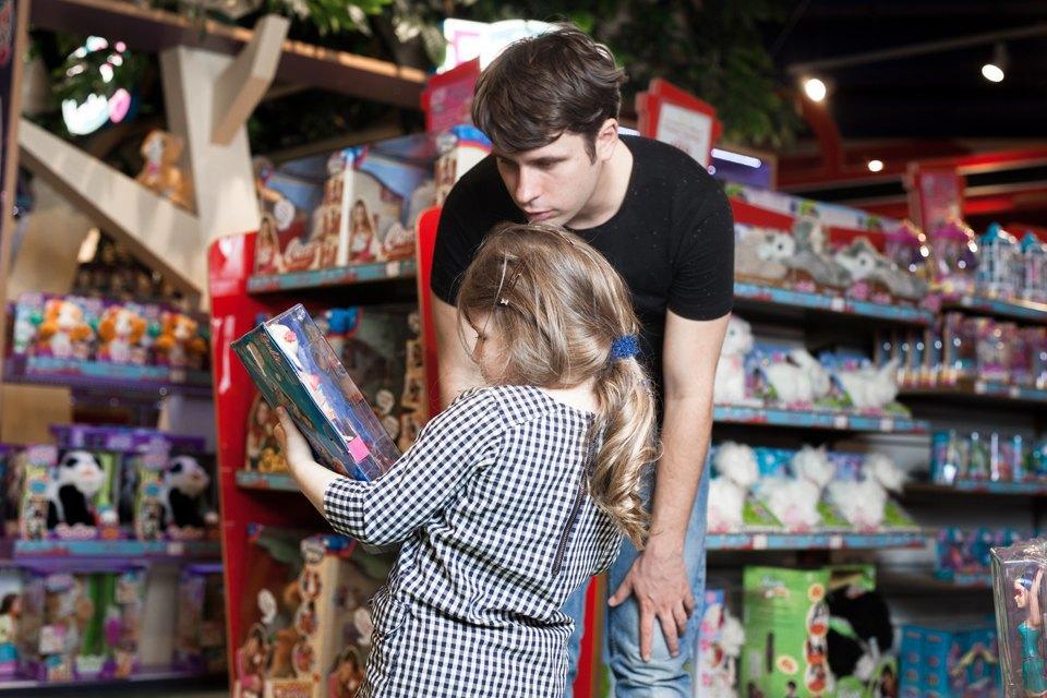 Эксперимент: Что купят на 5000 рублей дети и взрослые в самом большом детском магазине. Изображение № 35.