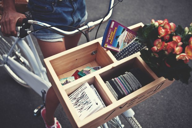 В городе заработала велолавка с сувенирами и туристическими картами. Изображение № 3.