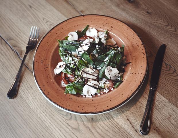 Салат из шпината с трюфельной заправкой. Изображение № 16.