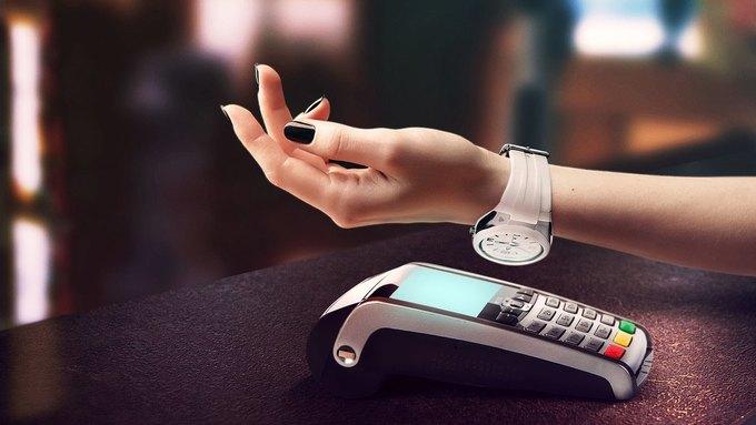 «Альфа-банк» выпустил часы совстроенной банковской картой. Изображение № 1.