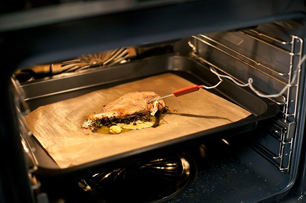 Шеф дома: Котлета из цесарки и пирог-галета Дениса Крупени. Изображение № 63.