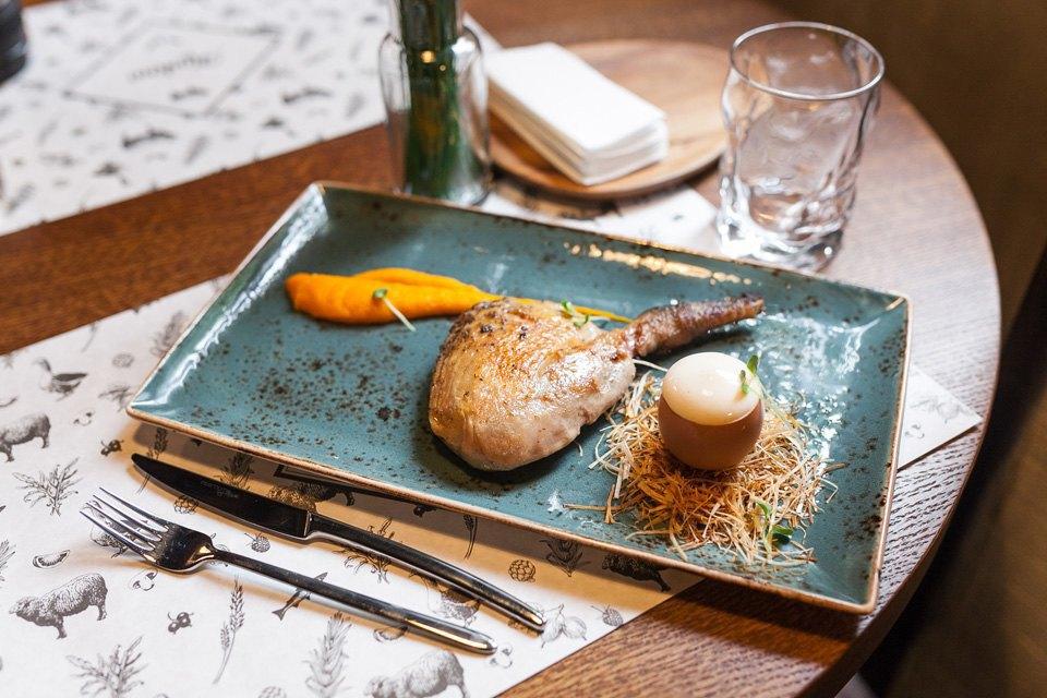 Цесарка с томленой морковью и воздушным яйцом — 370 рублей . Изображение № 16.