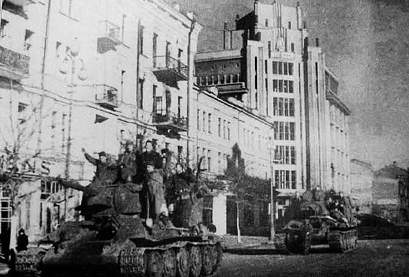Фоторепортаж: Последний день работы киевского ЦУМа. Изображение № 56.
