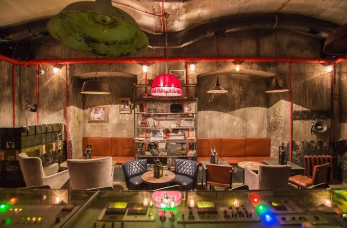 В бывшем бомбоубежище открывается бар «Kot шрёdiнгера». Изображение № 2.