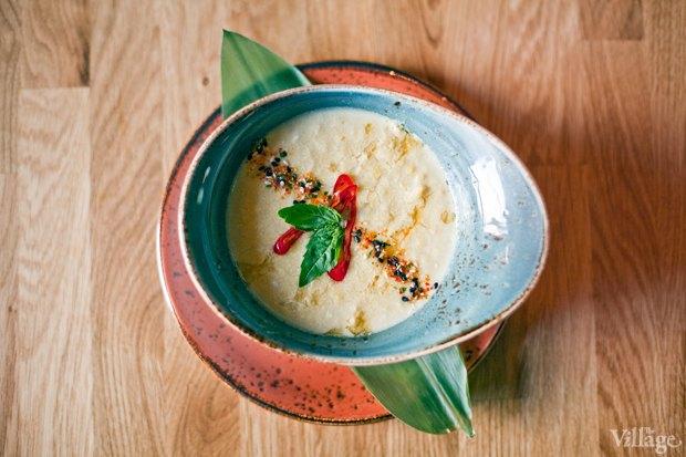 Рецепты шефов: Кукурузный суп на кокосовом молоке скреветками. Изображение №2.