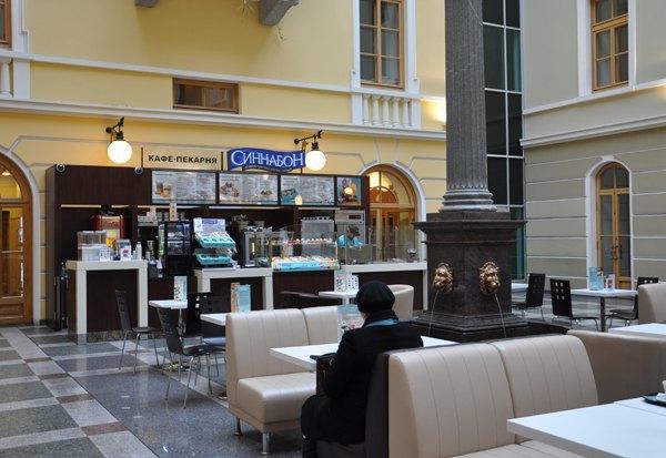 На Невском проспекте открылась пекарня Cinnabon . Изображение № 1.