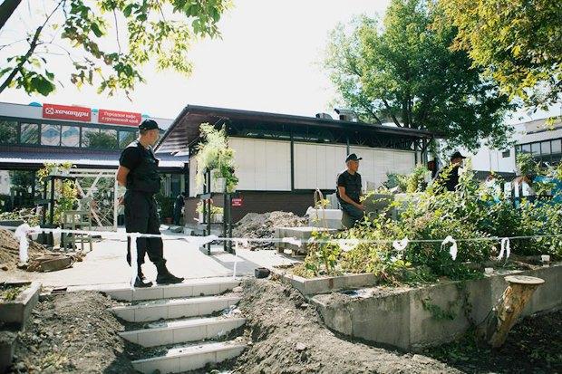Чёрный «квадрат»: Как кафе и магазины воюют с владельцами зданий . Изображение № 8.