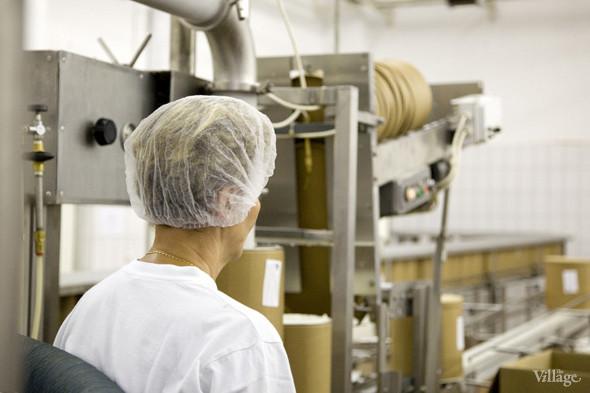 Фоторепортаж: Как делают мороженое «Баскин Роббинс». Изображение № 23.