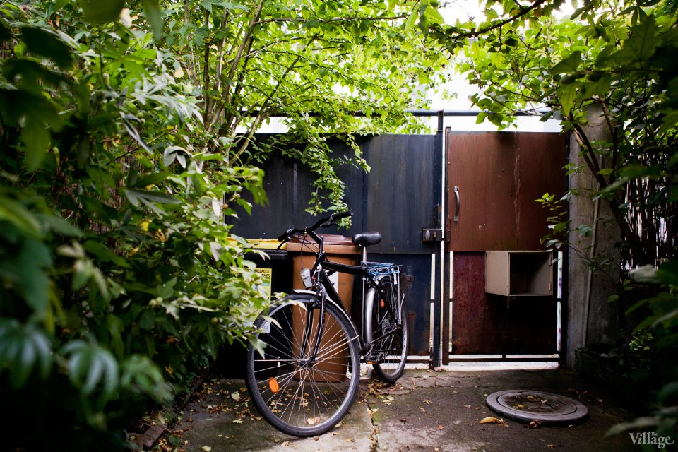 Квартиры мира (Париж): Дом в районе Монтрёй. Изображение №1.