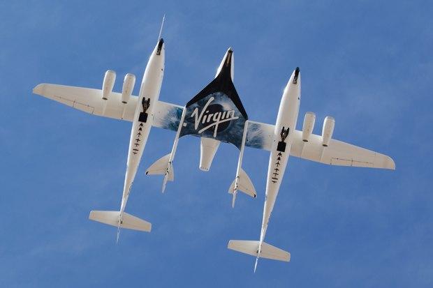 SpaceShipTwo и White Knight Two. Фото: Jeff Foust. Изображение № 1.