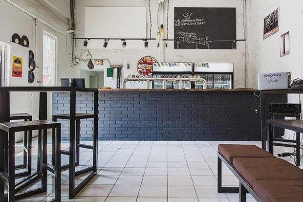 Киоск Hamam burger, пивной бар Cans&Beer, ресторан «Семирамис» икафе «Счастье незагорами» . Изображение № 4.