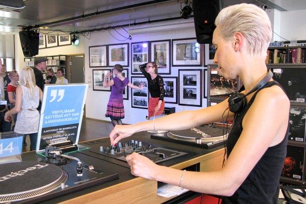 Иностранный опыт: Какбиблиотека вХельсинки стала «третьим местом». Изображение № 15.