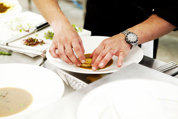 Omnivore Food Festival: Андрей Рывкин готовит карри из петуха на монастырском квасе. Изображение № 30.