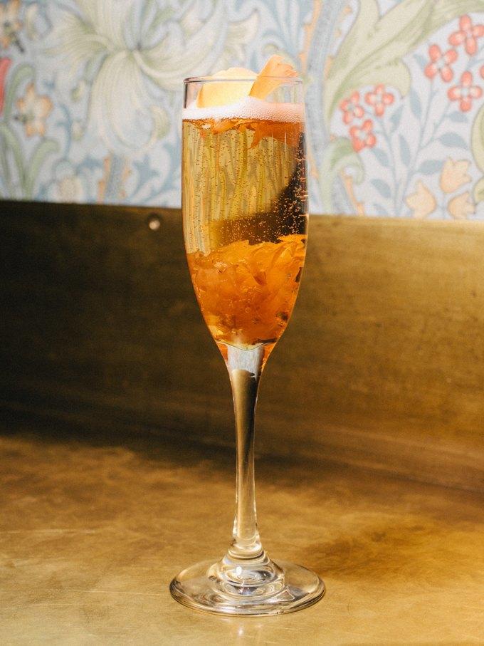 Пять праздничных коктейлей сигристым вином. Изображение № 2.