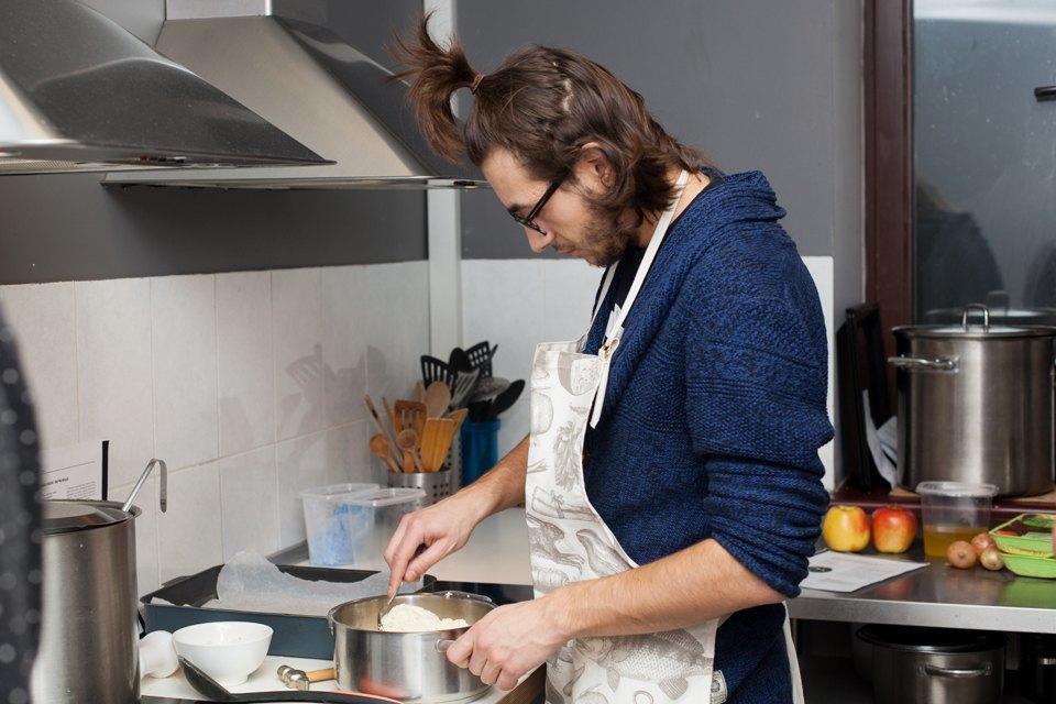 Можно лиготовить покнигам шеф-поваров. Изображение № 18.