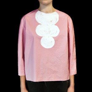 Кроссовки Rick Owens, платье Nina Donis, рубашка Uniqlo. Изображение № 11.